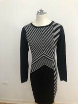 women's  dress carmen mark  valvo size m in New Lenox, Illinois