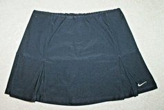 sharp nike dri-fit black pleated skort, small in Naperville, Illinois