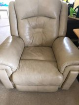 Recliner electric Southern Motion in Jacksonville, Florida