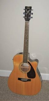 Yamaha FGX04 LTD Acoustic Electric Guitar Natural & Soft Case in Joliet, Illinois