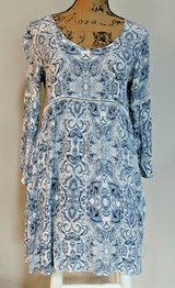 BOHO Loose & Flowing Blue & White Gauze Rayon Dress, 3/4 Trumpet Sleeves, Small in Chicago, Illinois