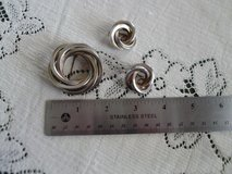 Gold and silver toned brooch and matching clip earrings in Alamogordo, New Mexico