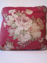 6 Decorative Throw Pillows Red with Flowers in Algonquin, Illinois