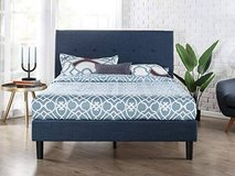 Upholstered Navy Button Detailed Platform Bed - King Size in Joliet, Illinois