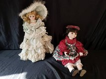 2 Vintage Dolls in Camp Pendleton, California