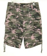 Womens 12 Canyon Creek Pink Camouflage Drawstring Bermuda Shorts in Chicago, Illinois