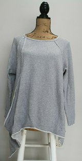 Calvin Klein Performance Long Sleeve Stripe High/Low Swing Top, Gray/White, LG in Westmont, Illinois