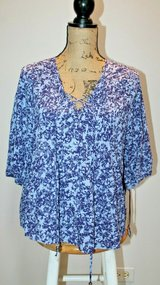 NWT-- Knox Rose Lavender/Purple Peasant Top, Stitched Plackets, Small in Westmont, Illinois