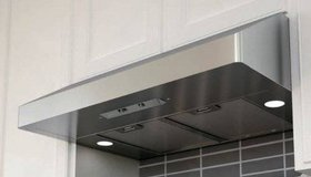Zephyr Under Cabinet Range Hood Fan Stainless Steel - New! in Chicago, Illinois