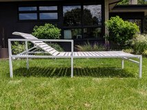 Vintage Mid Century Modern MCM White Metal Chaise Patio Chair Lounge in Westmont, Illinois