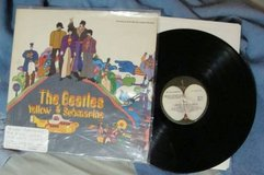 BEATLES YELLOW SUB [ORIG. VINYL APPLE LABEL] in Naperville, Illinois