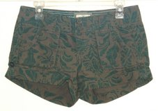 American Eagle Button Fly Cuffed Green Floral Shorts Womens 2 in Morris, Illinois