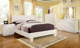 New King White Platform Bed Frame- FREE DELIVERY in Camp Pendleton, California