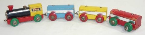 Vintage Brio Wood Train Engine w/ Cars in Naperville, Illinois