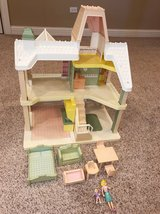 vintage playskool victorian big loving family doll house people local pickup in Westmont, Illinois