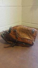 "Mizuno Youth Baseball Mit. 10"". MMX 101 in Fort Campbell, Kentucky"