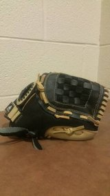 "Adidas Baseball Glove TS 1100SD Eazy Close 11"" in Fort Campbell, Kentucky"