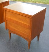 Mid-Century End Table Night Stand in Bartlett, Illinois