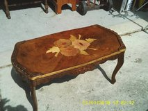 REDUCED.....COFFEE TABLE ALL WOOD FROM THE 1940-30S in Chicago, Illinois