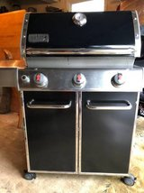 Weber Genesis Grill. Special edition. Includes Cover. in Batavia, Illinois