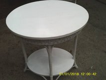 TABLE OVAL WITH WOVEN WICKER MUST SEE in Chicago, Illinois