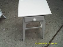 TABLE LOW PROFILE ALL WOOD WITH DRAWER MINT in Chicago, Illinois