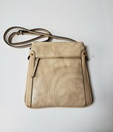 NEW CROSSBODY PURSE HANDBAG * 3 COMPARTMENT * 2 OUTER ZIPPERED POCKETS * oatmeal in Westmont, Illinois