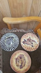 "Zoo Animal Porcelain Plates- Lion, Zebra, and Giraffe! 6"" plates with stands in Bellaire, Texas"