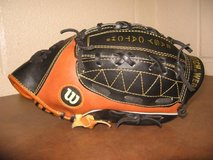 Wilson A2494 Baseball Mitt EZ Catch T-Ball Model Right Hand Throw in Fort Campbell, Kentucky