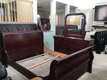 3pc Cherrywood Full Size Bedroom Set in Westmont, Illinois