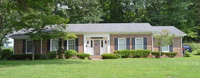Beautiful ranch in the heart of Russellville KY. in Fort Campbell, Kentucky