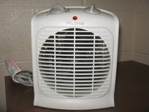 Pelonis Heater Thermostat Fan-Forced Portable Auto Small Room Air Heat (T=43) in Fort Campbell, Kentucky