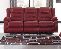 SIGNATURE DESIGN SOFA in Schofield Barracks, Hawaii