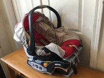 Chicco KeyFit 30 Infant Car Seat + Base in Joliet, Illinois