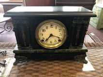 Vintage desk clock in Chicago, Illinois