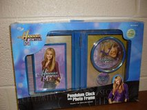 Hannah Montana Pendulum Clock with Photo Frame (T=28) in Fort Campbell, Kentucky
