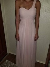 Beautiful dress by Azazie in a size 2 in Camp Pendleton, California