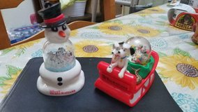 2 Vtg Disney 101 Dalmatians 1996 Ornaments!  Sled and Snowman w/ Dogs in Snowglobes in Kingwood, Texas