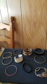 Mixed Lot of Fashionable Bangle + Beaded Bracelets! 10 pcs in Kingwood, Texas
