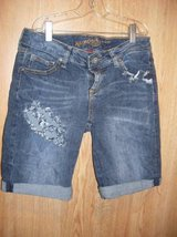 Arizona Blue Jean Shorts Junior Size 3 (T=37) in Fort Campbell, Kentucky
