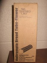 Pampered Chef Valtrompia Bread Tube Flower # 1550 (T=44) in Fort Campbell, Kentucky