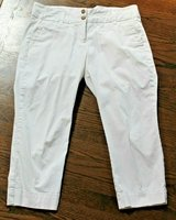 Lands' End White Cropped Pants, Size 12 in Aurora, Illinois