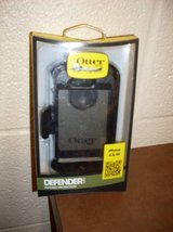OtterBox Defender Series Case and Holster for iPhone 4/4S (T=43) in Fort Campbell, Kentucky