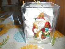 "3"" Blown Glass Santa Claus Ornament! Shiny and Glittery w/ clear Acrylic Box in Kingwood, Texas"