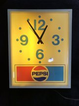 vintage pepsi wall clock made by impact international model no pi-1615 in Chicago, Illinois