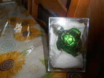Pre-owned Blown Glass Green Turtle Ornament! Shiny and glittery! in Kingwood, Texas