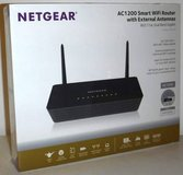 New! NETGEAR AC1200 Smart Wi-Fi Router w/External Antennas Mod: R6220 in Joliet, Illinois