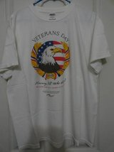 VETERANS DAY T-SHIRT WHITE LARGE in Travis AFB, California