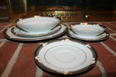 Legendary - Noritake Porcelain China Ellington 3691 6-Piece Place Setting, EUC! in Joliet, Illinois