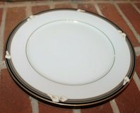Legendary-Noritake China Ellington Pattern 3961 Dinner Plate, EUC! in Joliet, Illinois